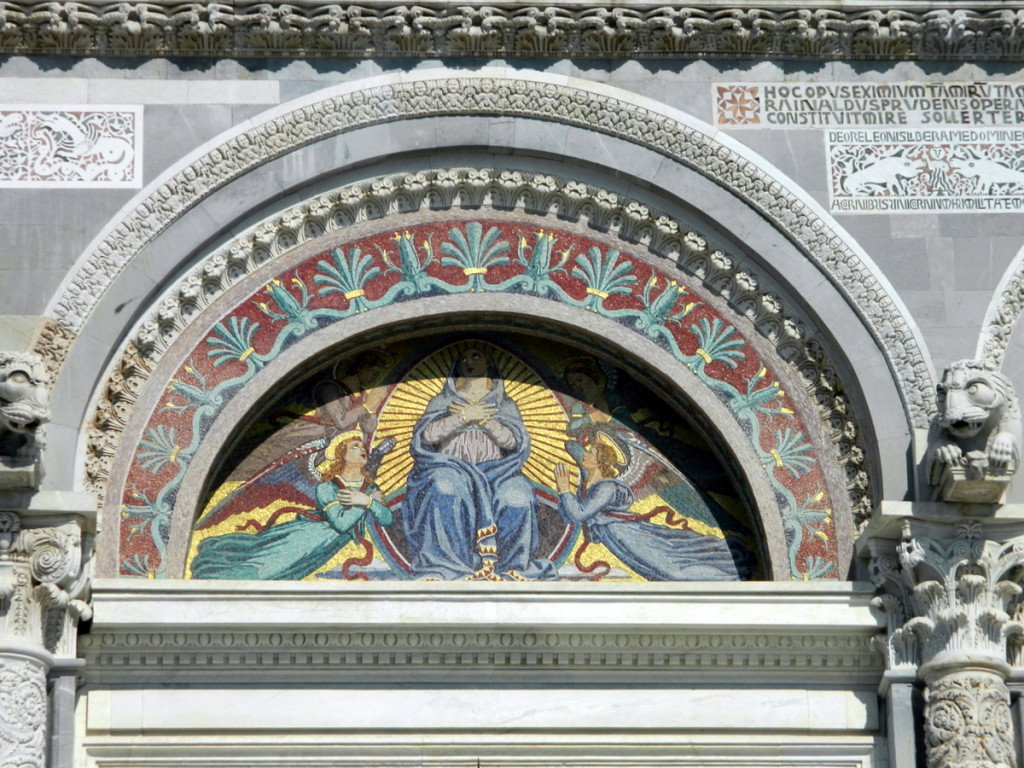 Mosaic of main entrance of Pisa Duomo.