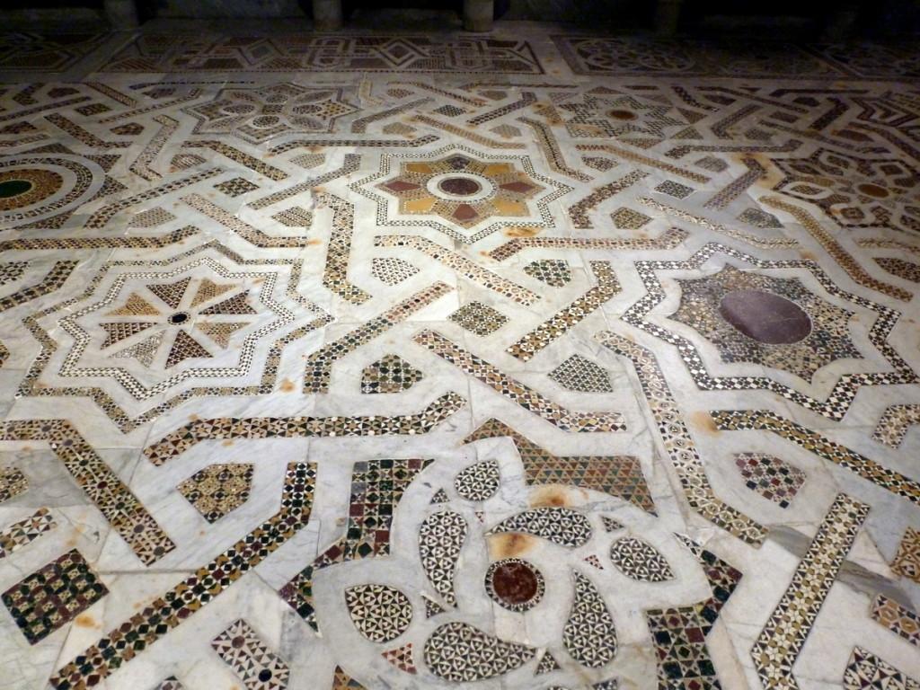 Geometric designs showing Arab influence.  (Monreale Duomo)