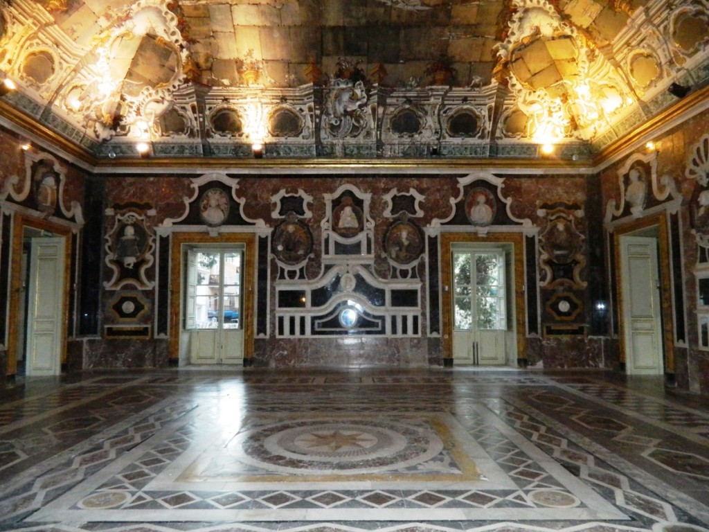 Hall of Mirrors, Villa Palagonia.